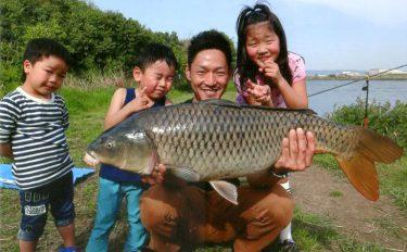 ベストシーズンの淀川で狙うのんびり大ゴイ釣行。良型続々、91cmも!
