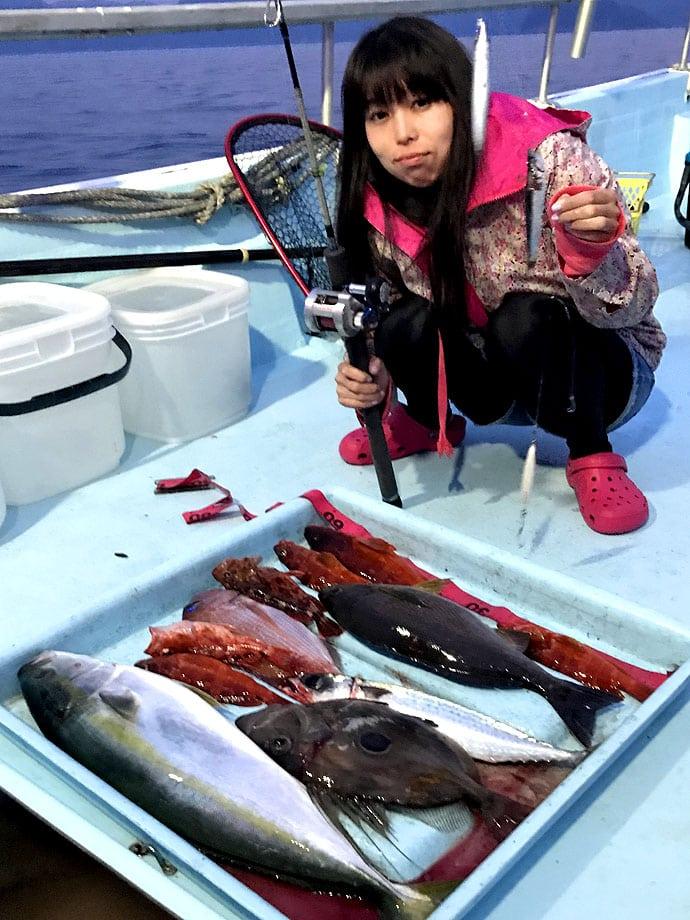 落とし込み釣り+ジギングのジグサビキでイサキやマダイの大物五目釣り!