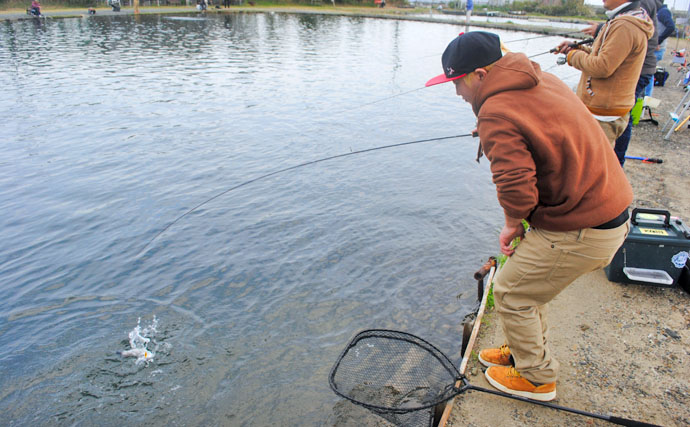 釣れすぎて困惑……浜名湖フィッシングリゾートでトラウト爆釣!150匹超も
