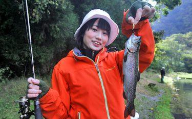 色んなルアーで魚の反応を誘いだそう!【大分県九重フィッシングリゾート】