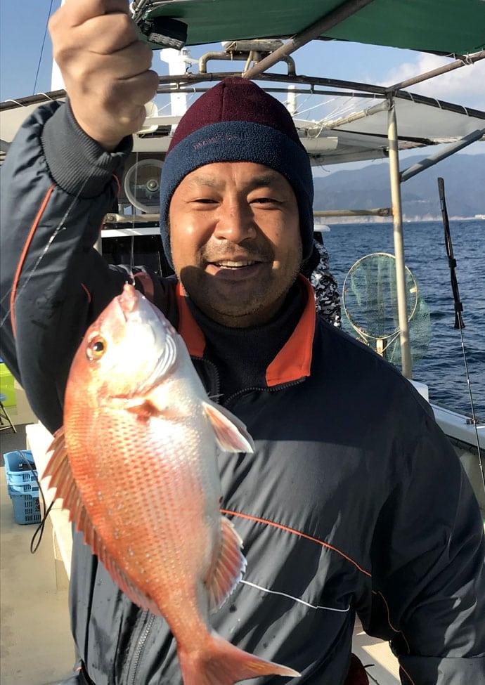 お正月を飾る魚を釣りたい!脂乗り乗りイサギ40cm【和歌山県加太出船】