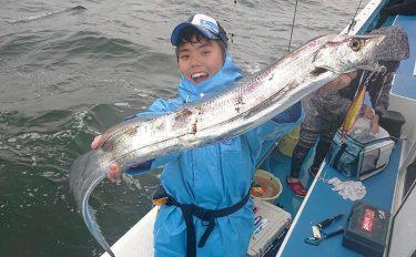 タチウオジギングを攻略!船釣りの基本タックル&釣り方【解説】