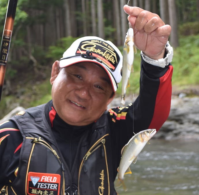 鮎トモ釣り:解禁前の試し釣りで美形アユ登場【京都府・久多川】