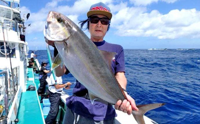 ジギング遠征釣行:紺碧の海でカンパチと戯れる!【銭洲・とび島丸】