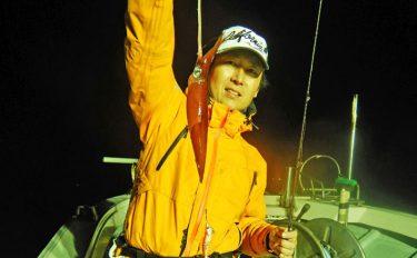 夜焚きイカ釣行:多点掛け連発でトップ200杯超【北九州市・響灘】