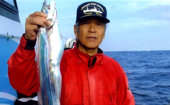 電動スロー巻きで指5本級タチウオ捕獲!テンヤ釣り【大分県・釣吉丸】