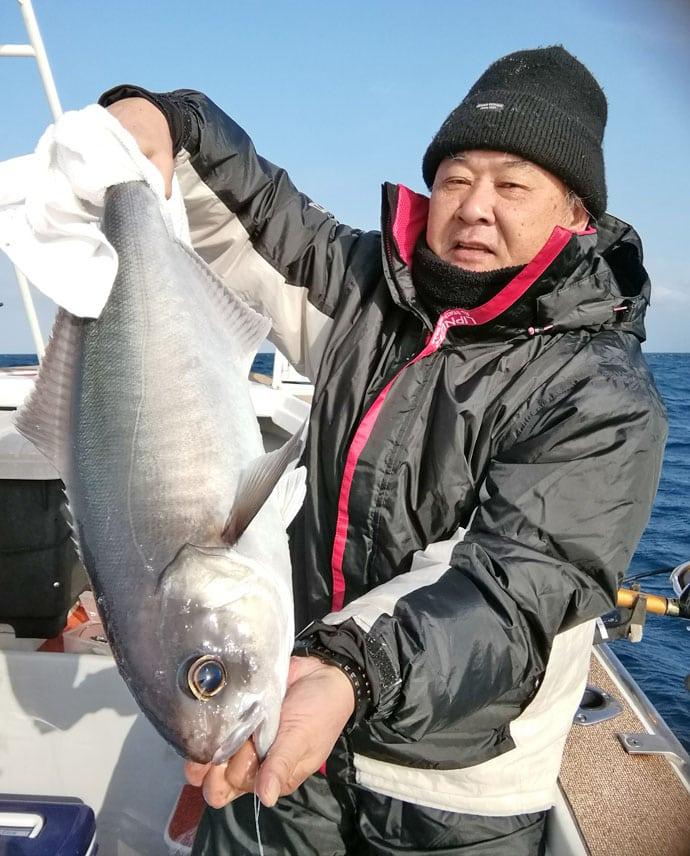 【玄界灘&響灘】船釣り大物最新釣果情報 メタボ寒ブリ船中21尾!