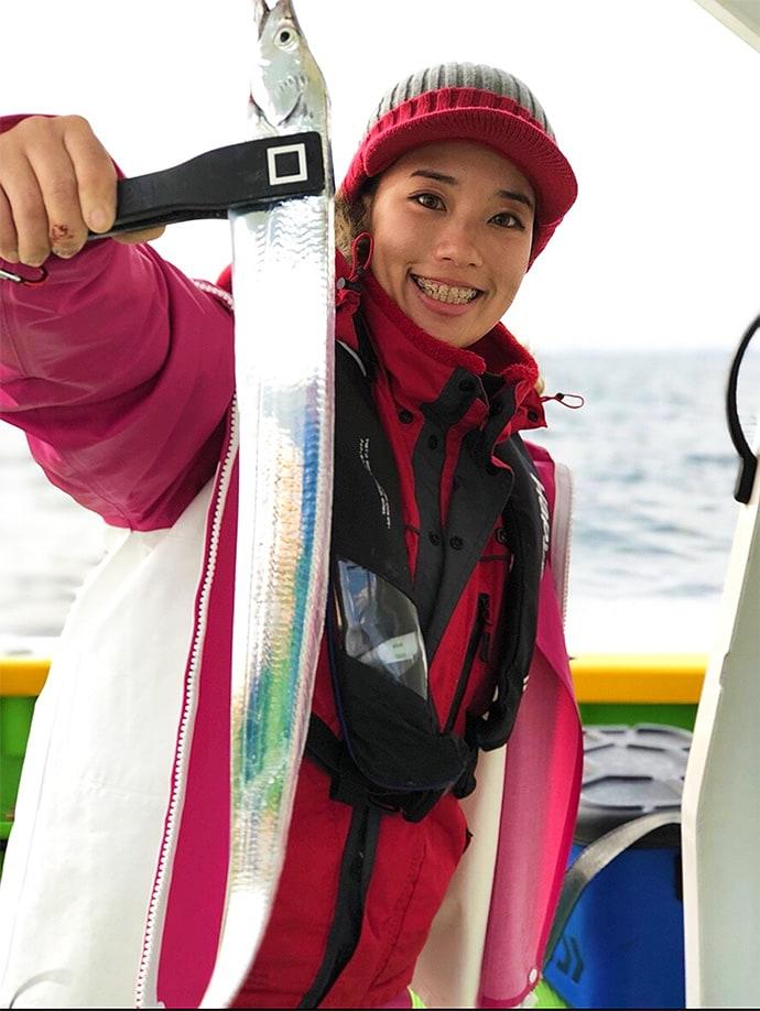 天秤タチウオ釣りでクーラー満タン エサ付け改め連発!【東京湾】