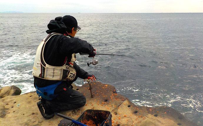 人気磯『四畳半』でフカセ釣り メジナにクロダイ【神奈川・城ヶ島】