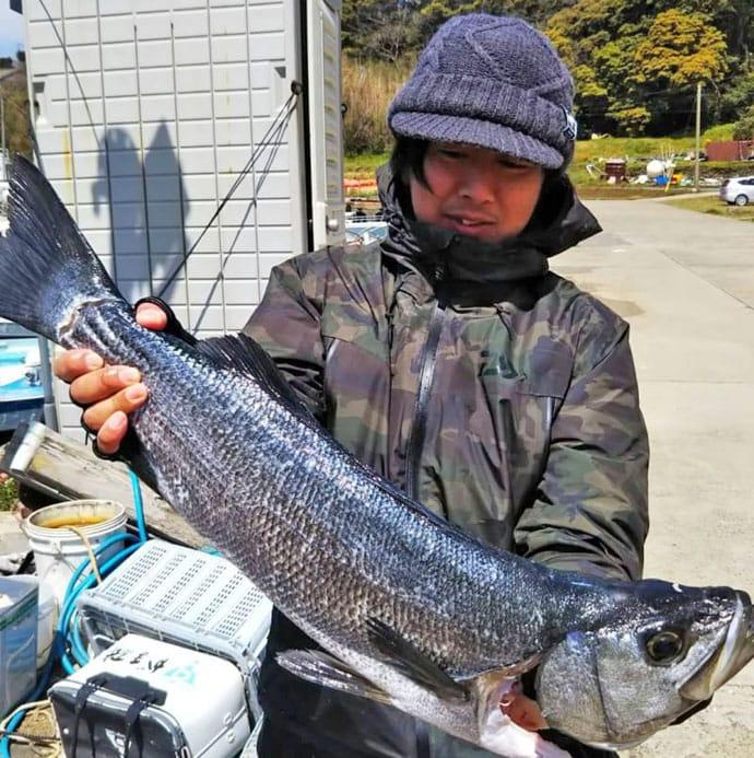 【長崎&佐賀】船釣り最新釣果 80cmヒラスズキに8.3kg大ダイ