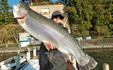 解禁1ヶ月でニジマス135尾 70cmオーバーも【神奈川・芦ノ湖】