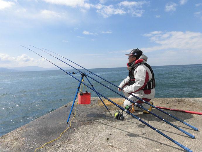 投げ釣り大会アイナメの部で優勝 66cmスズキも【兵庫・林崎漁港】