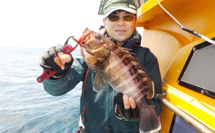 泳がせ釣りでハタ類好釣 イワシ釣れずウグイで活きエサ代用が的中