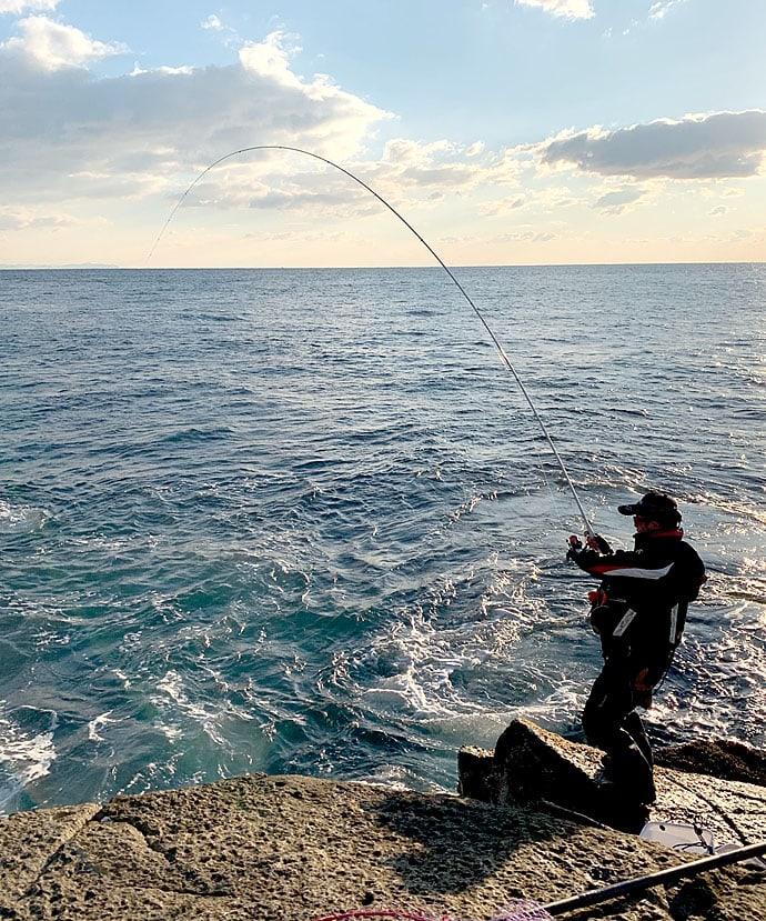 沖磯フカセ釣りで37cm頭11尾 寒グレシーズン終盤【三重・九鬼】