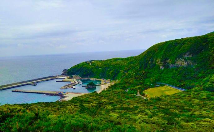 離島『釣りキャン』で日常リセット 陸っぱりでタマン狙い【伊豆諸島】