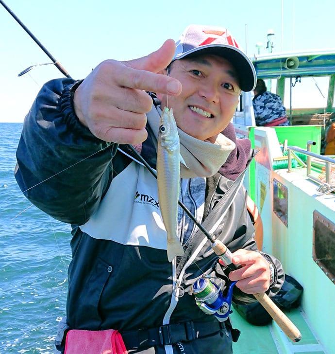東京湾シロギス釣りで極太20㎝級連発 ベタ底ではダメ?【弁天屋】