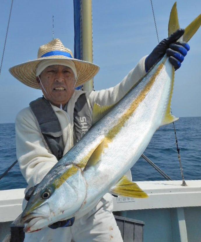 【玄界灘・芦屋沖】沖釣り青物最新釣果情報 16kgヒラマサにブリも