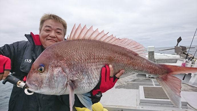 【響灘】船釣り最新釣果 9.3kgマダイに87cmヒラメに大物続々