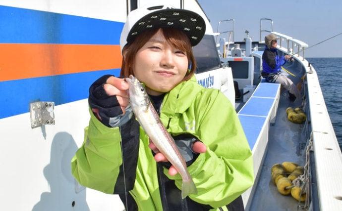『みっぴ』が胴付き仕掛けの船シロギス釣りに挑戦【東京湾・進丸】