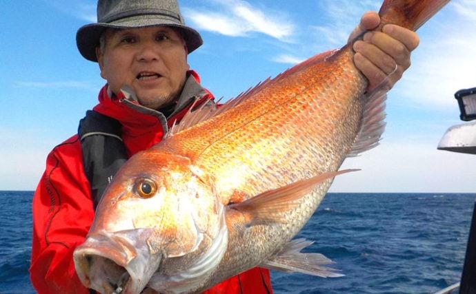 解禁直後の鷹巣沖『完全フカセ』釣りで67cm頭にマダイ17尾にブリ