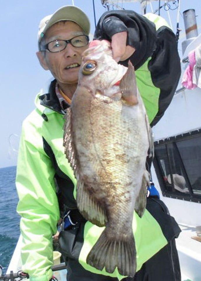【愛知県】船釣り最新釣果情報 95cm巨大ヒラメにシロギス83尾!