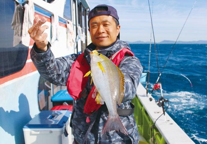 大人気『大山沖』にて2種のロッドでイサキ&大アジに挑戦 胴調子と先調子で検証