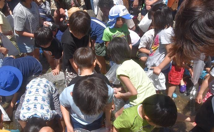 子供たちの笑顔はじける渓流釣り大会 良型ヤマメが歓迎【兵庫・矢田川】