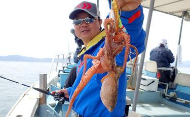 注目の開幕を迎えた明石沖マダコ釣りで25匹 釣り方詳細解説も【兵庫】