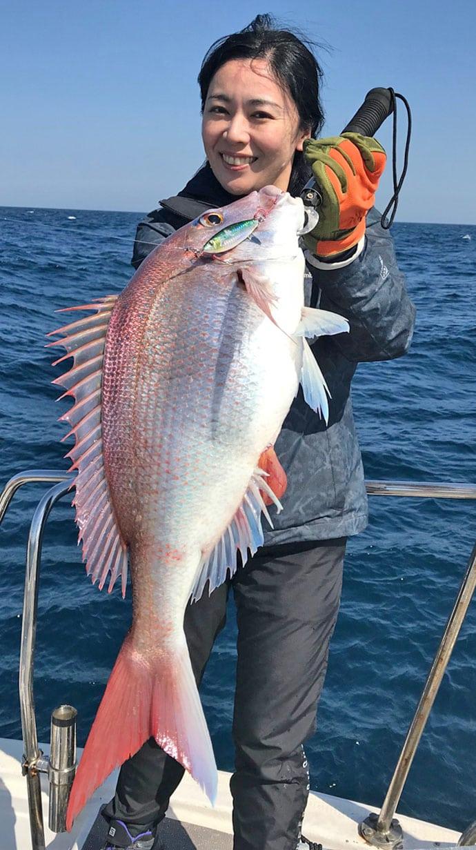 【玄海灘】沖釣り釣果速報 タイラバ&ジギングで大ダイに夜焚きイカ好調