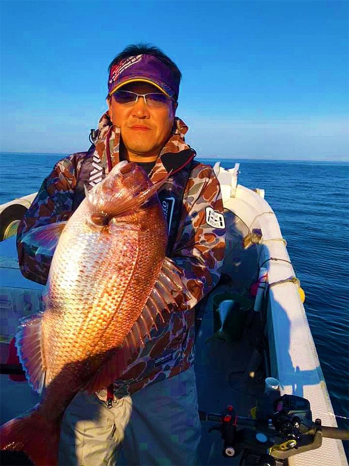 完全フカセ釣りでブリにマダイにヒラマサ 超高活性でヒット止まらず!