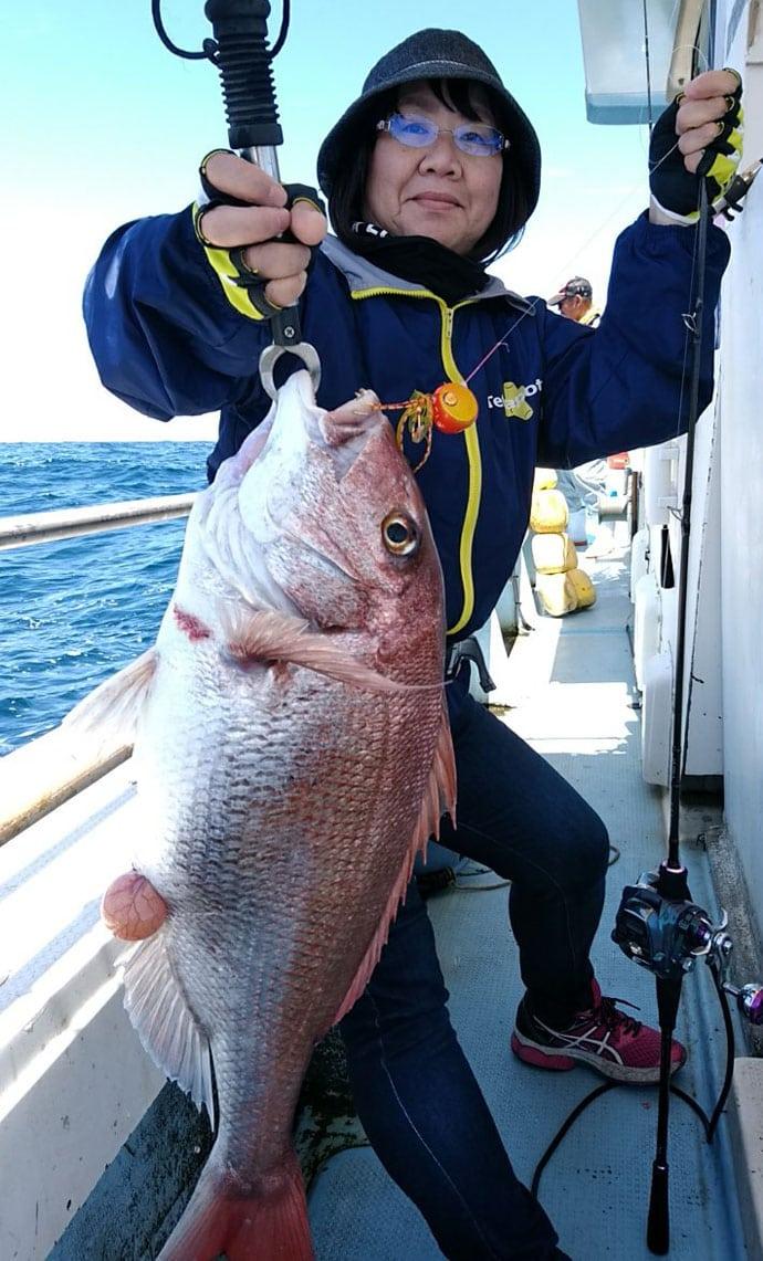 タイラバ釣行で70〜90cmマダイ12尾 全員安打も達成【山口県】