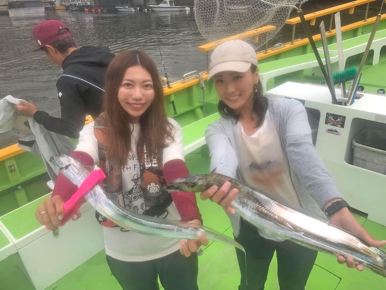 速報!東京湾回遊中タチウオにジギングで挑戦 女子会釣行【渡辺釣船店】