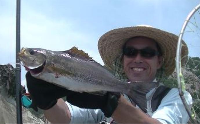 激流の磯フカセ釣りでイサキにグレ タナ合わせがキモ【徳島・牟岐大島】
