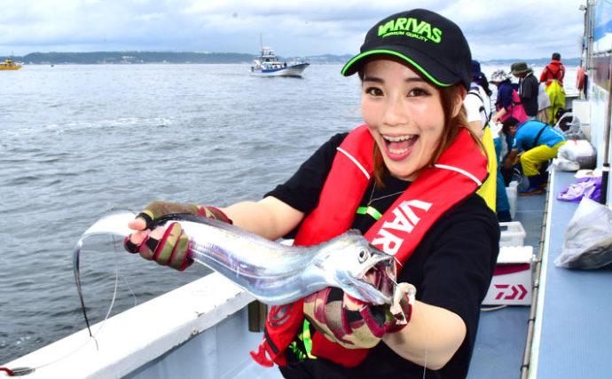 東京湾エサタチウオ釣り95cm頭に12尾 夏シーズン到来【忠彦丸】