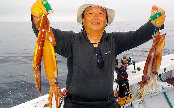 石廊崎沖スルメイカ船で85杯 直結仕掛けで多点掛け連発【とび島丸】