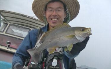 船五目釣りでマダイにイサギにスマガツオ タナ合わせがキモ【徳島】