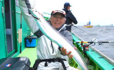 東京湾エサタチウオで110cmドラゴン級 置き竿でヒット【吉野屋】