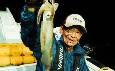 夜焚きイカ釣行でトップ46杯 数釣りシーズン間近か【福岡・須賀丸】