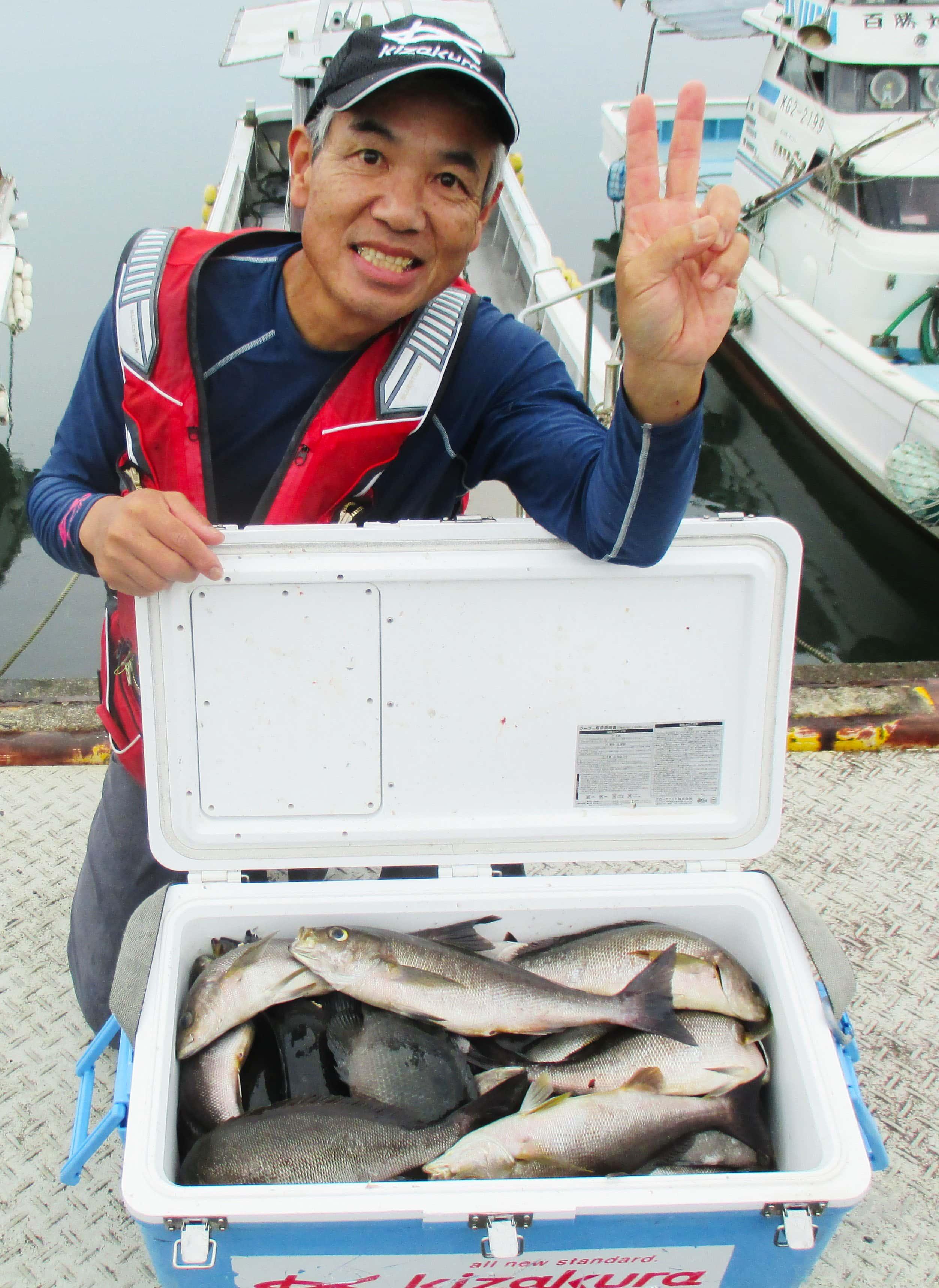磯フカセ釣りで43cm頭にイサキ32尾 同調方法と針サイズで釣り分け