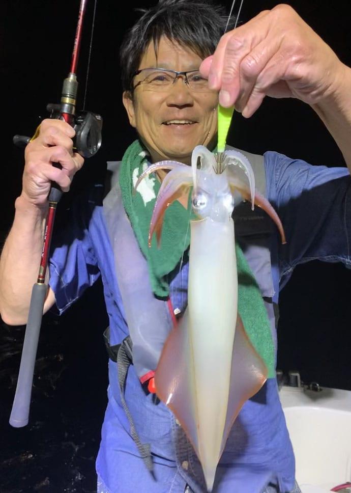 【響灘】夜焚きイカ釣果速報 胴突き・イカメタル共に好乗り!