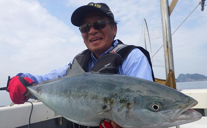 『落とし込み釣り』で良型ブリ登場も漂流5時間の珍道中【愛媛・宇和島】