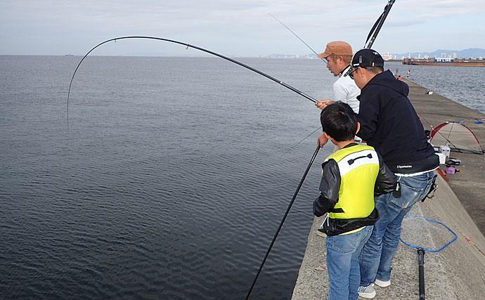 波止でのノマセ釣りで1m超えブリ登場 決め手はエレベーター仕掛け!