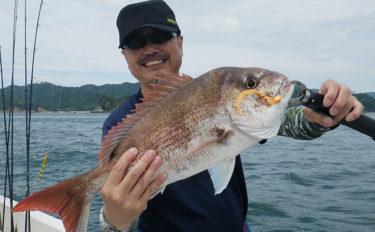 タイラバ釣行でマダイ連発 小さなヘッドがアタリ!【鳴門海峡】
