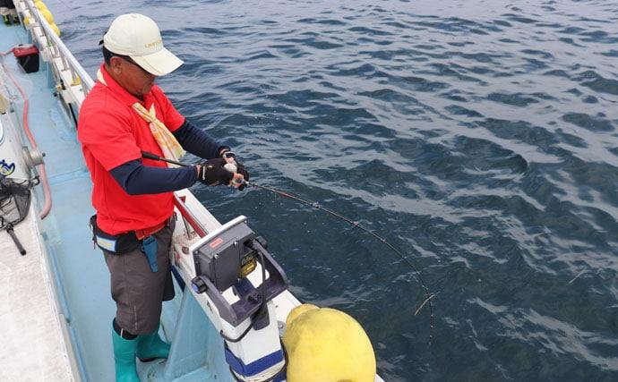 大山沖『SLJ』でハタやヒラメなど多彩 まさに五目ジギング【隆盛丸】