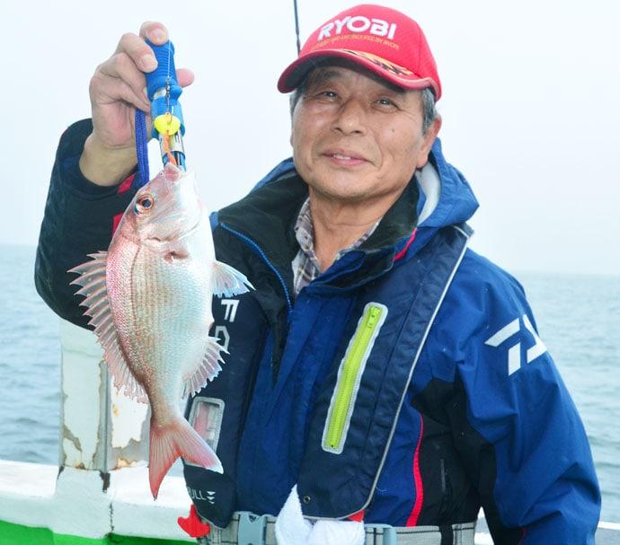 テンヤマダイ釣行で2kgマダイ 多魚種釣果で20尾超【茨城・弘漁丸】