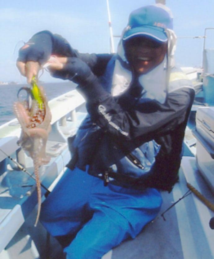 エギタコ釣りで1.9kg頭に船中25尾 キロ超え全員安打!【愛知】