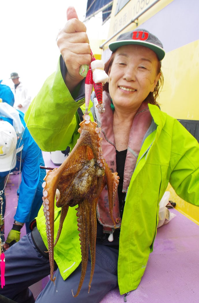 絶好調の東京湾マダコをテンヤとエギで狙って20杯【神奈川・つり幸】