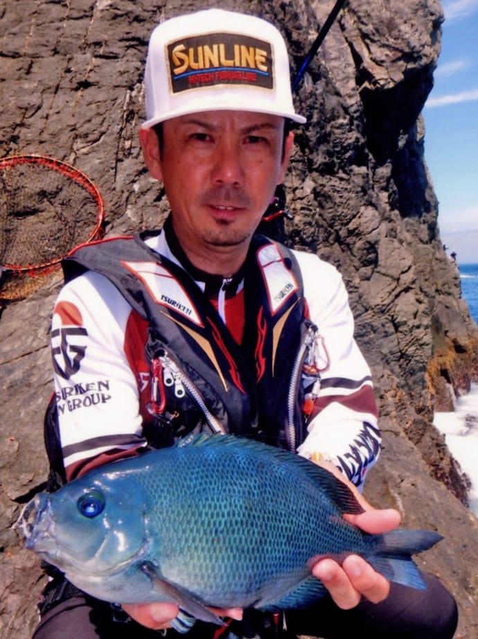 夏のオナガ狙いフカセ釣り 大型ヒットでバラし連発【大分・米水津】