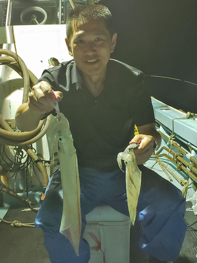 【玄界灘】夜焚きイカ釣果速報 イカメタルでも胴突きでも100尾超え!