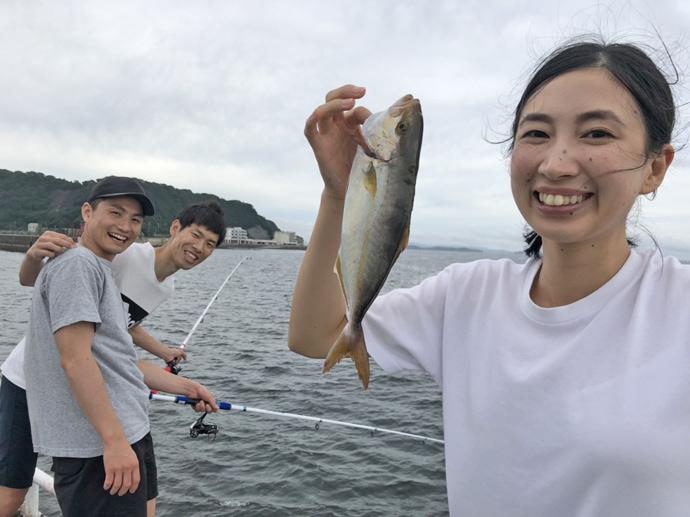 海釣り施設で子供たちと五目釣り 胴付きにマダコ?【豊浜釣り桟橋】